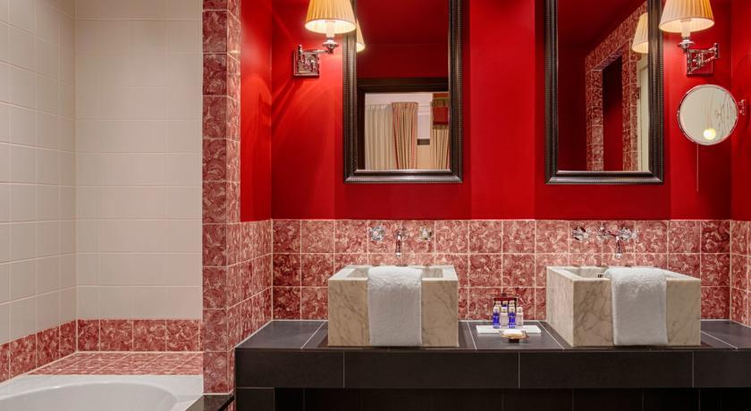 Hotel Des Indes – Junior Suite