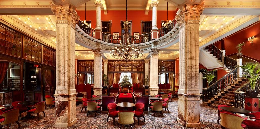 Hotel Des Indes – Lobby