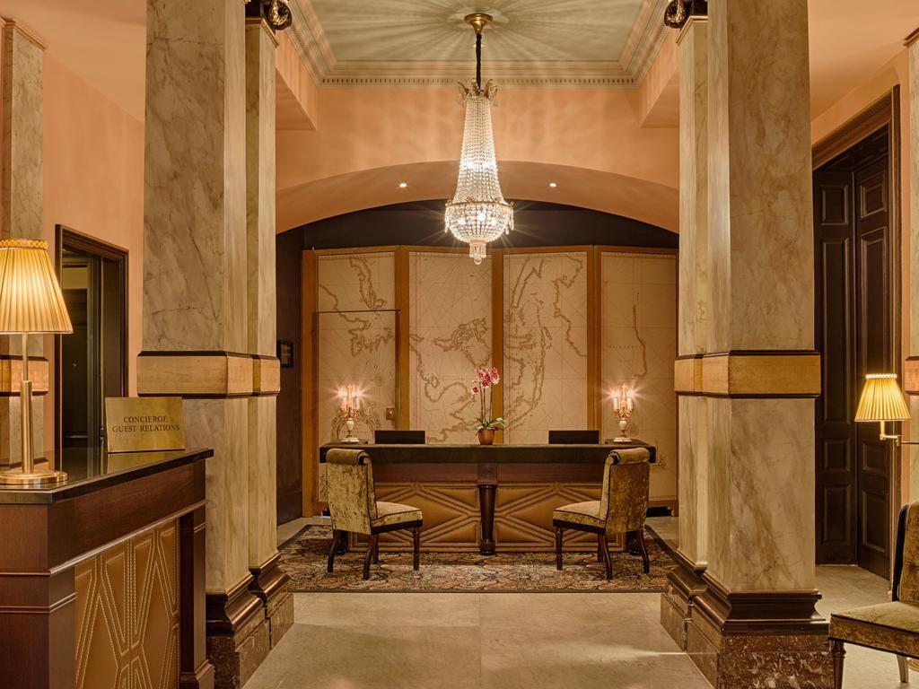 Hotel Des Indes – Receptie