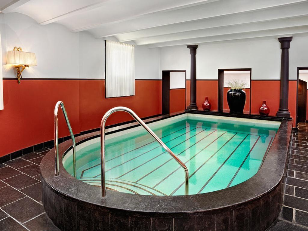 Hotel Des Indes – Zwembad