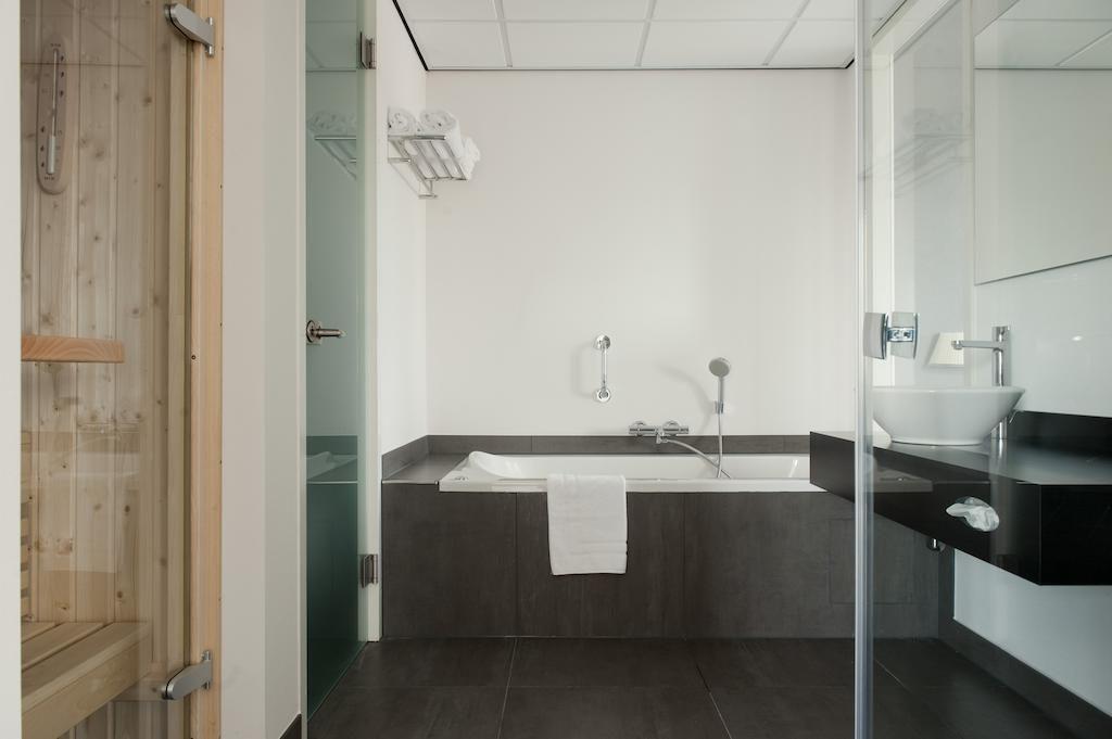 Inntel Hotels Amsterdam Zaandam – Badkamer Junior Suite
