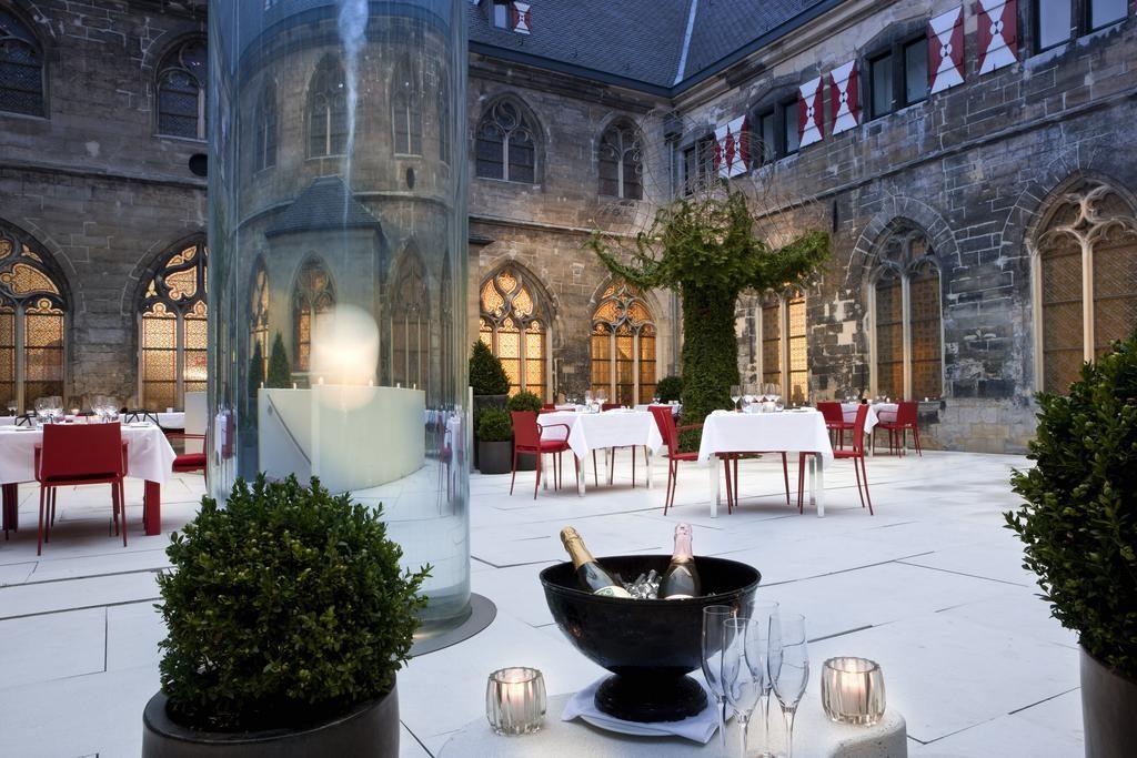 Kruisherenhotel Maastricht – Terras