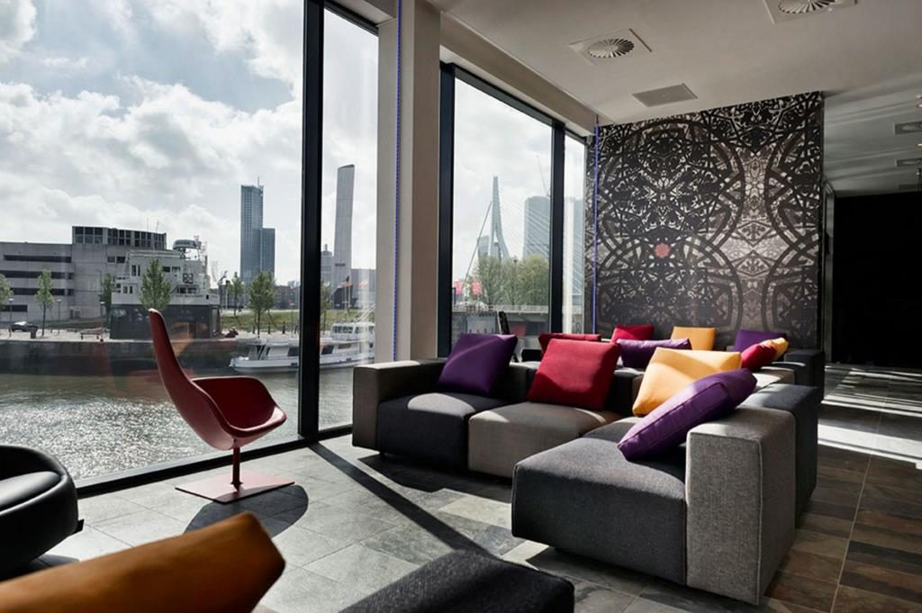 Mainport Design Hotel – Lounge