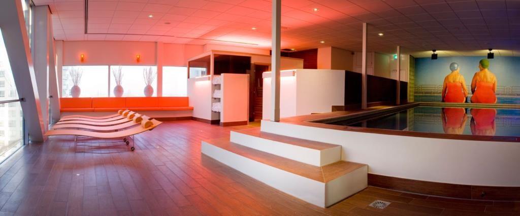 Mainport Design Hotel – Zwembad