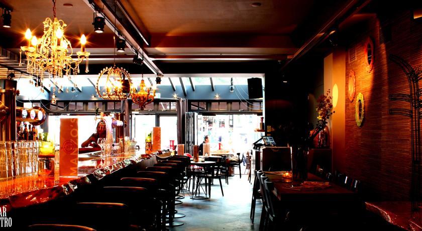 Manzo's Suites – Bar