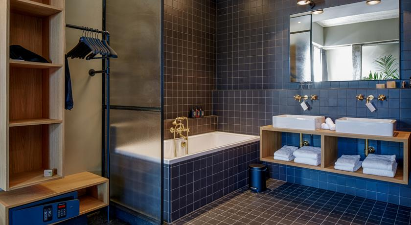 The Duke Boutique Hotel – Deluxe King Suite