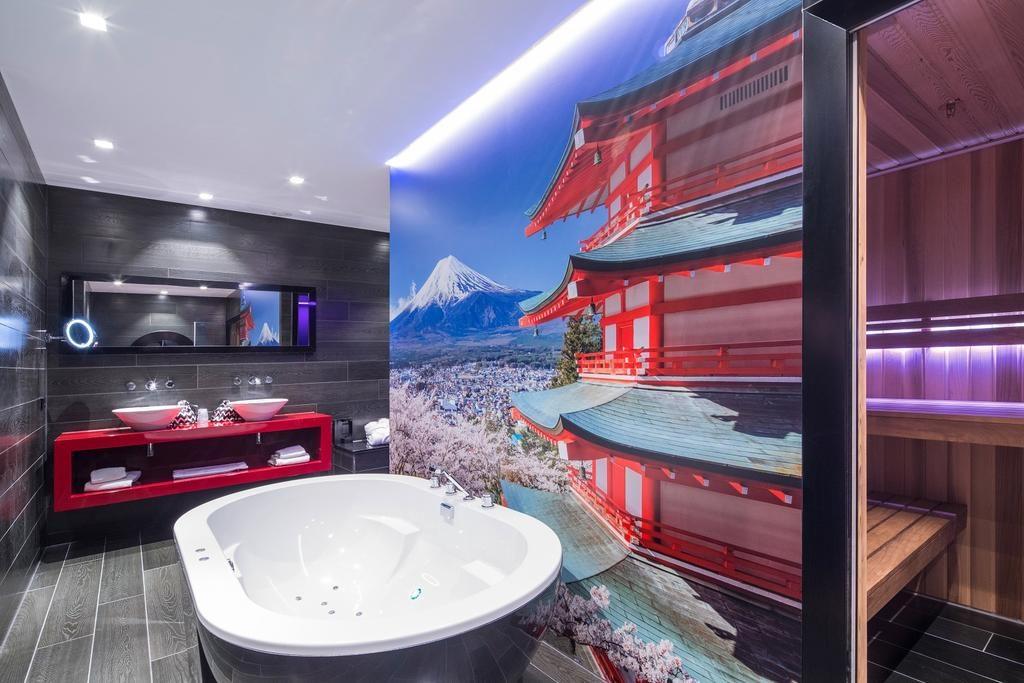 Van der Valk Hotel Utrecht – Tokyo Suite