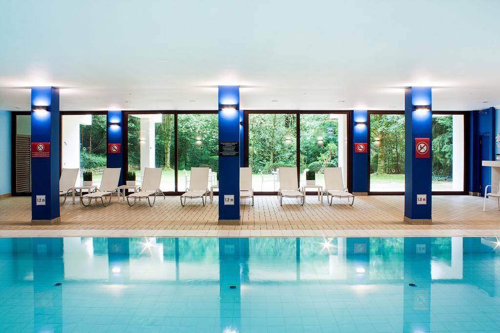 DoubleTree by Hilton Luxembourg – Binnenzwembad