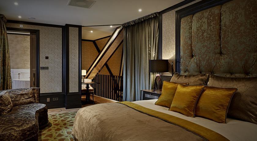 Hotel TwentySeven – Rooftop Loft Suite