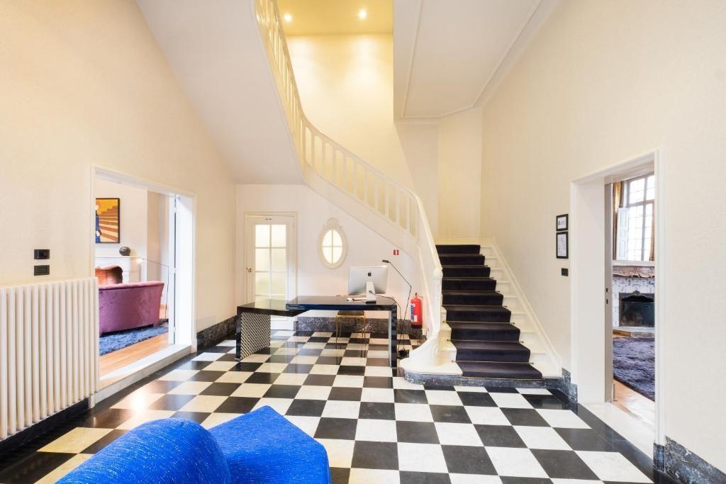 Small Luxury & Boutique Hotel De Witte Lelie – Entree