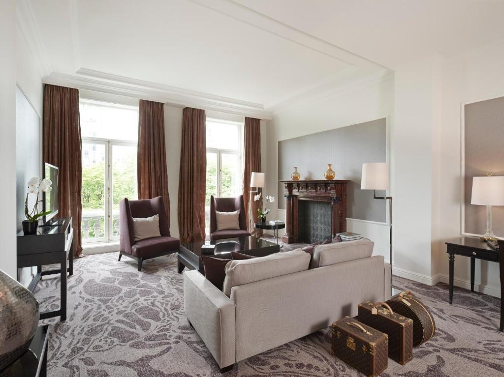 Steigenberger Wiltcher's – Suite woonkamer