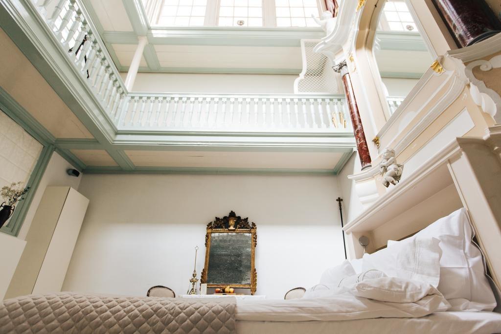 Private Mansions – The Secret Chapel Suite
