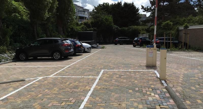 B-aparthotel Kennedy – parkeerterrein