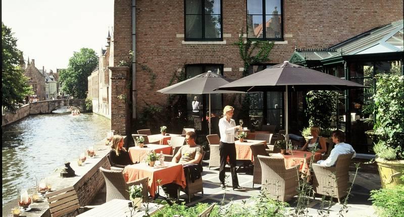 Hotel Die Swaene – terras
