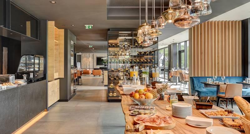 R Hotel Experiences – restaurant