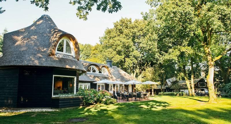 Van der Valk Hotel Apeldoorn – de Cantharel – buitenkant hotel