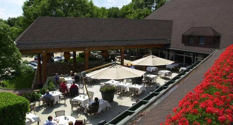 Van der Valk Hotel Gilze-Tilburg – terras