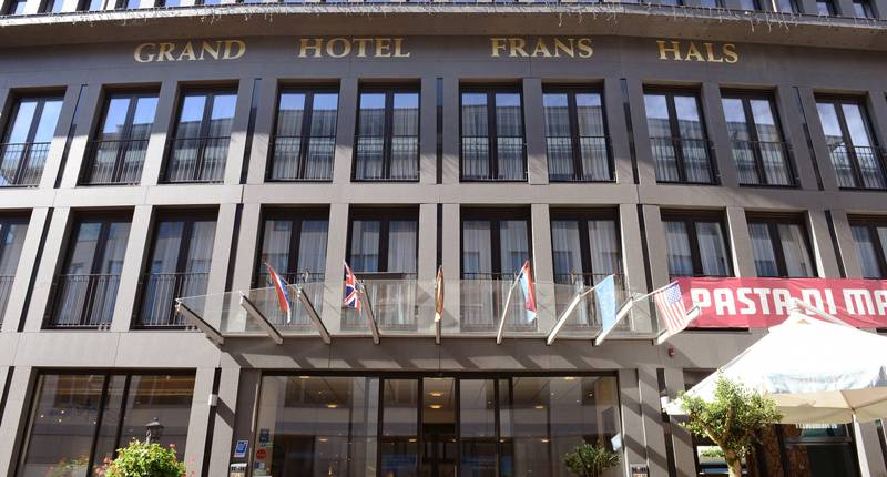 Amrâth Grand Hotel Frans Hals – buitenkant hotel