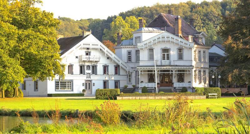Kasteel Altembrouck – buitenkant kasteel