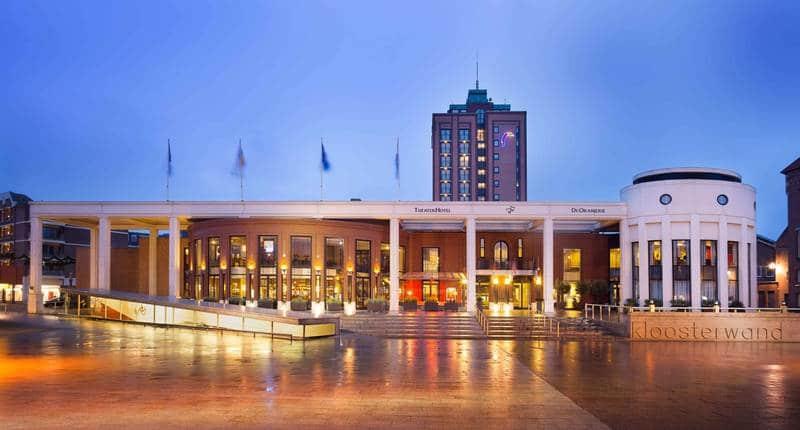 Van der Valk TheaterHotel De Oranjerie – buitenkant hotel