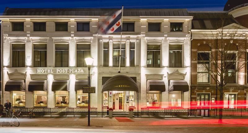 Post-Plaza Hotel – buitenkant hotel
