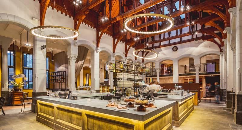 Post-Plaza Hotel – restaurant