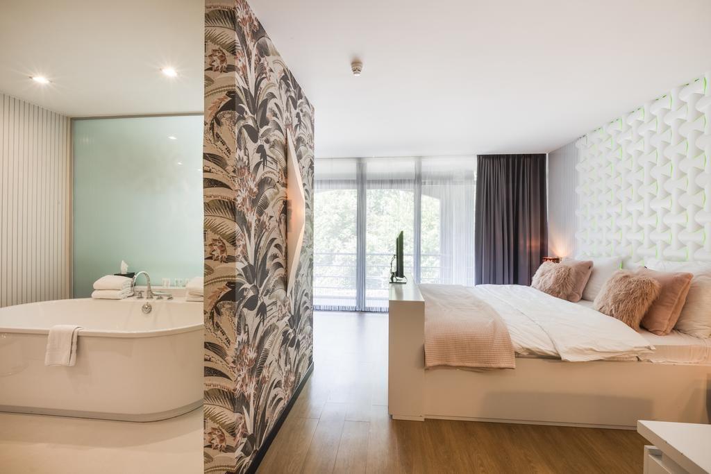 Van der Valk Hotel Beveren – Ambassade Superior Suite