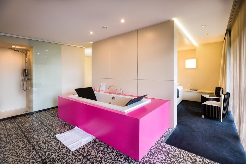 Van der Valk Hotel Beveren – Amoralia Superior Suite