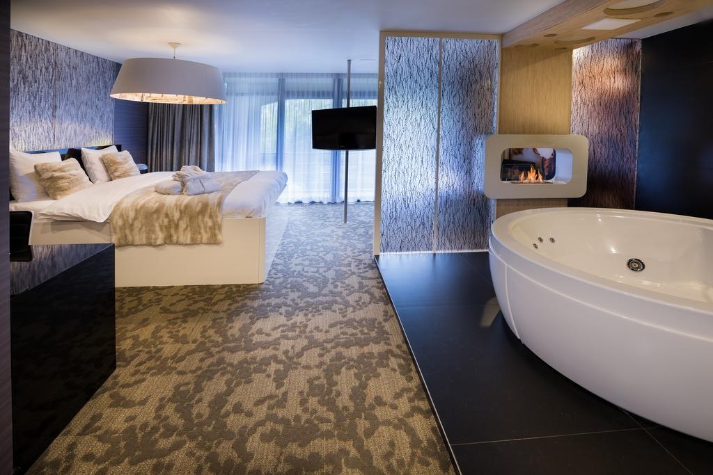 Van der Valk Hotel Beveren – Pergola Suite