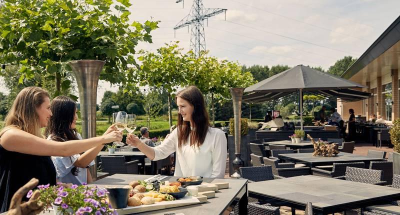 Van der Valk Hotel Nijmegen Cuijk – terras