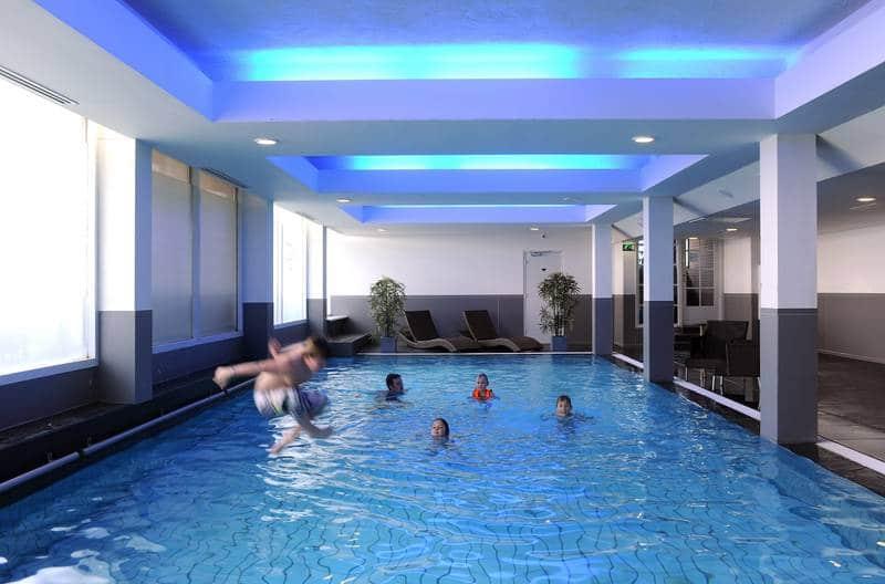 Van der Valk Hotel Volendam – binnenzwembad