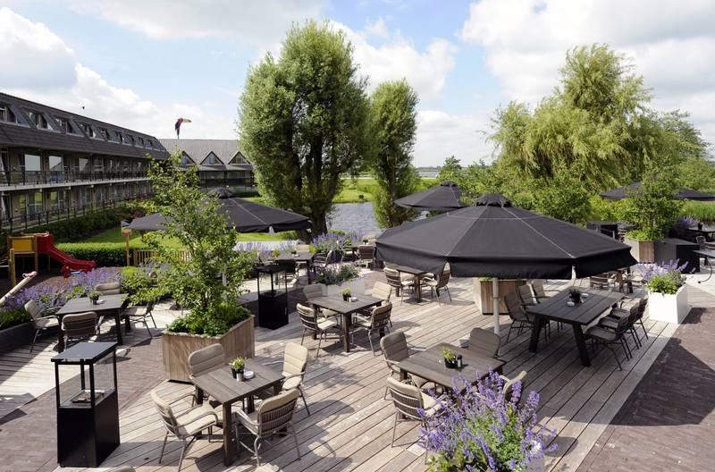 Van der Valk Hotel Volendam – terras